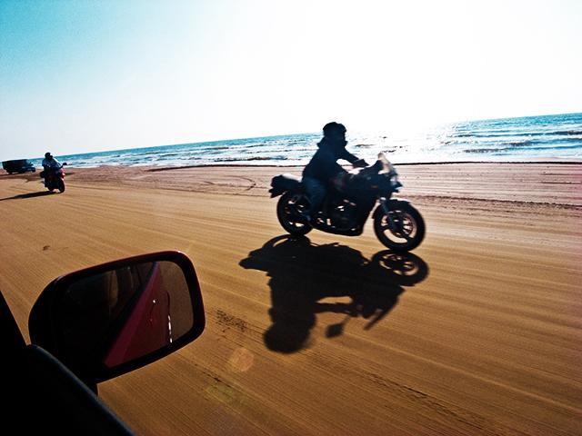 車で走れる砂浜 / 石川県 千里浜